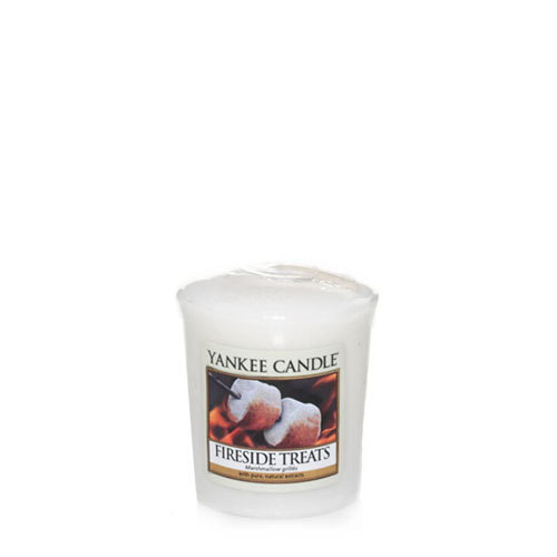 Аромасвеча для подсвечника Yankee candle Лакомства у камина 49 г