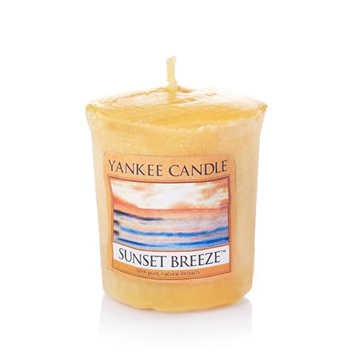 Аромасвеча для подсвечника Yankee candle Вечерний бриз 49 г
