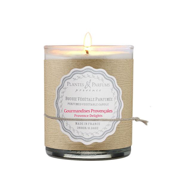 Свеча ароматическая Plantes et parfums Лакомства прованса 180 г ароматическая свеча plantes et parfums сверкающие звезды 75 г