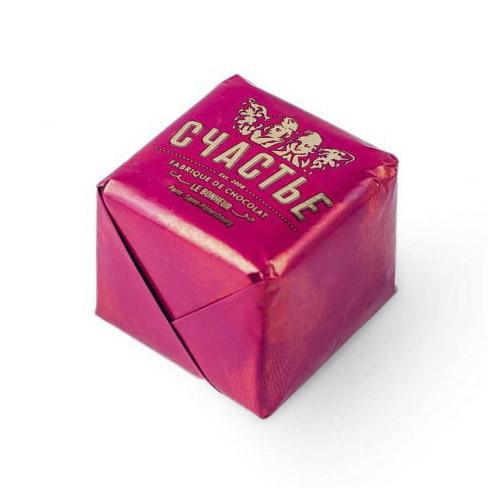 Конфета Счастье пралине с вишней и печеньем в темном шоколаде 50 г