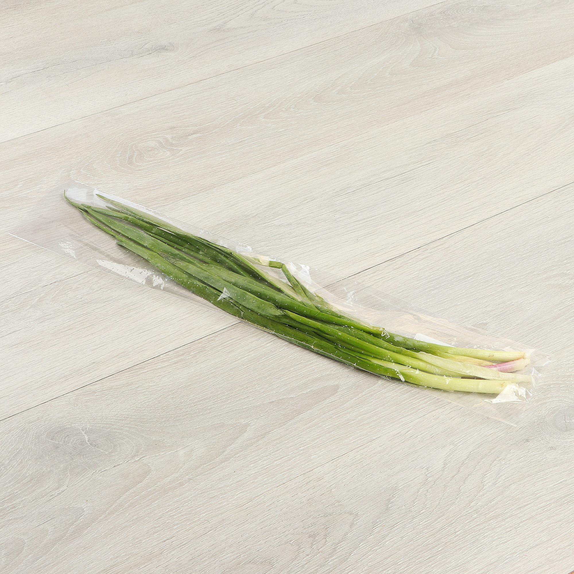 Лук зеленый Зелень Торг перо 50 г