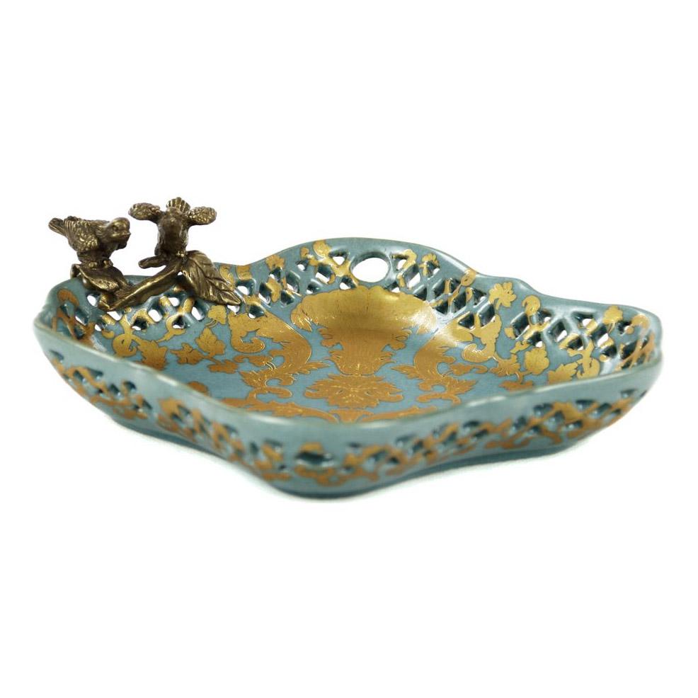 Фото - Блюдо Glasar фарфоровое с бронзовыми птичками 21,5x19x6см столик приставной glasar серебристого цвета с золотыми птичками на ветке 43x43x71 см