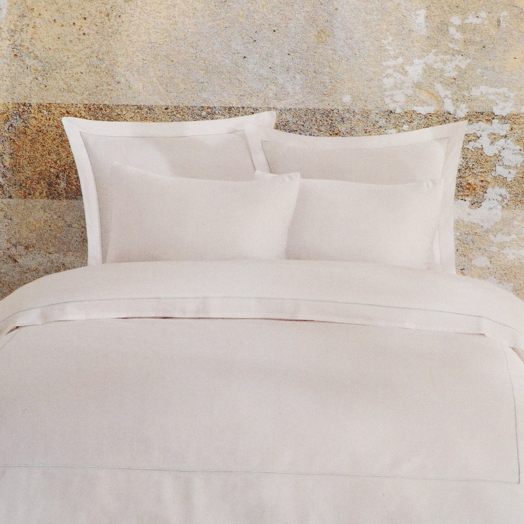 Постельный комплект Bella casa king size white / wan blue stripes постельный комплект bella casa 1 5сп white golden olive stripes