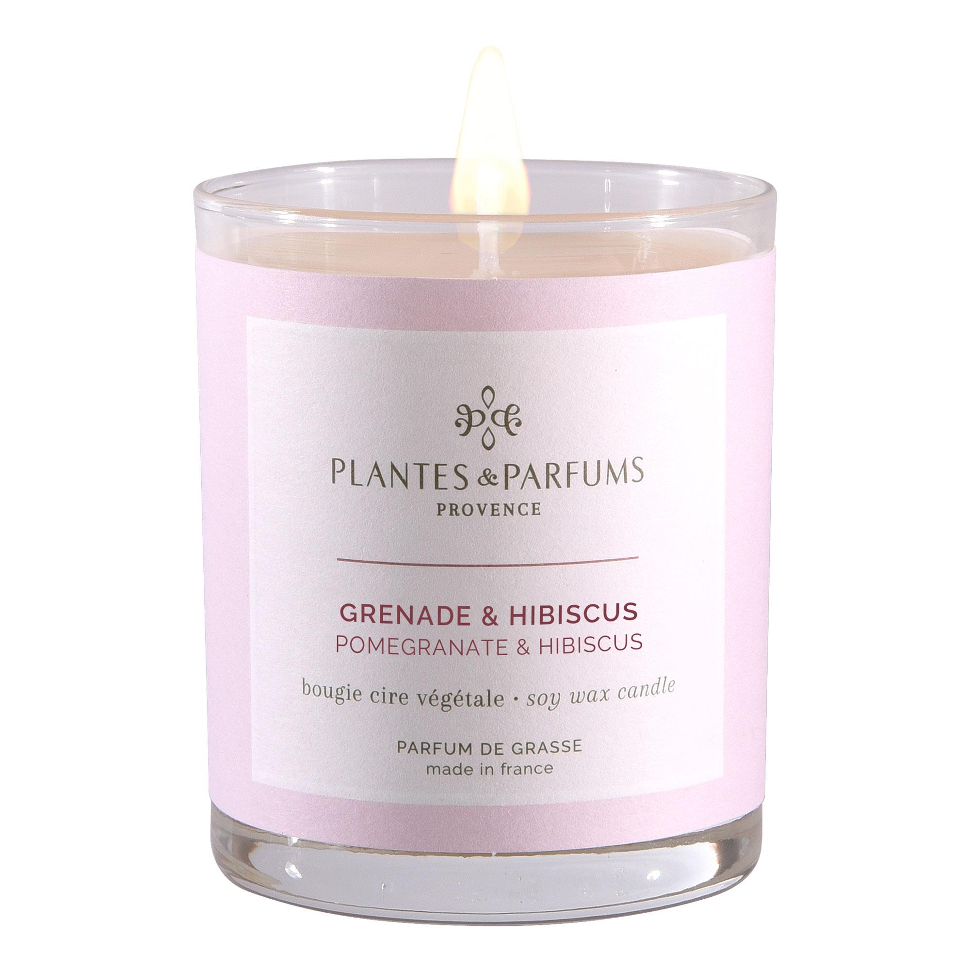 Ароматическая свеча Plantes et Parfums Гранат и гибискус 180 г ароматическая свеча plantes et parfums сверкающие звезды 75 г